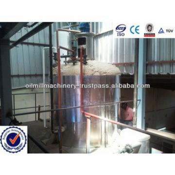 Full-automatic continuous crude oil refinery plant